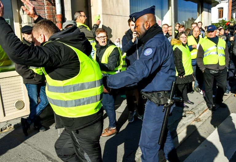 France Promised Measures To Pacify The Livid Drivers Yellow Vest Motorcycle Jacket Hoodies