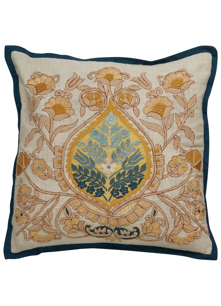 Dek03 An Elegant Grouping Of Solid And Patterned Designs From Ikat And Tribal To Embroidered And Classi Unique Decorative Pillows Decorative Pillows Pillows