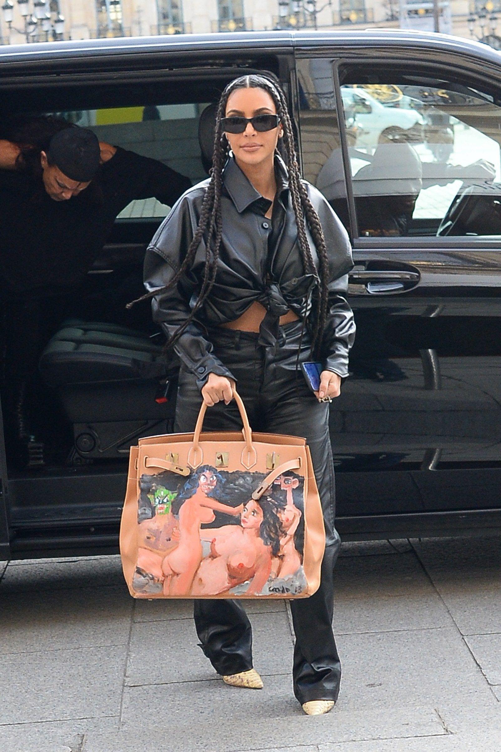 Kim Kardashian West Revives One Of Her Most Controversial Birkins In 2020 Kim Kardashian Black Birkin Bag Hermes Bag Birkin