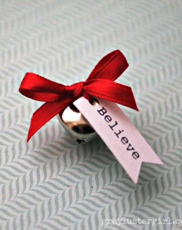 aminteste i ca speranta te face mereu mai tanar cu un cadou de craciun pentru barbati dupa varsta un set de clopotei cu mesaj atasat
