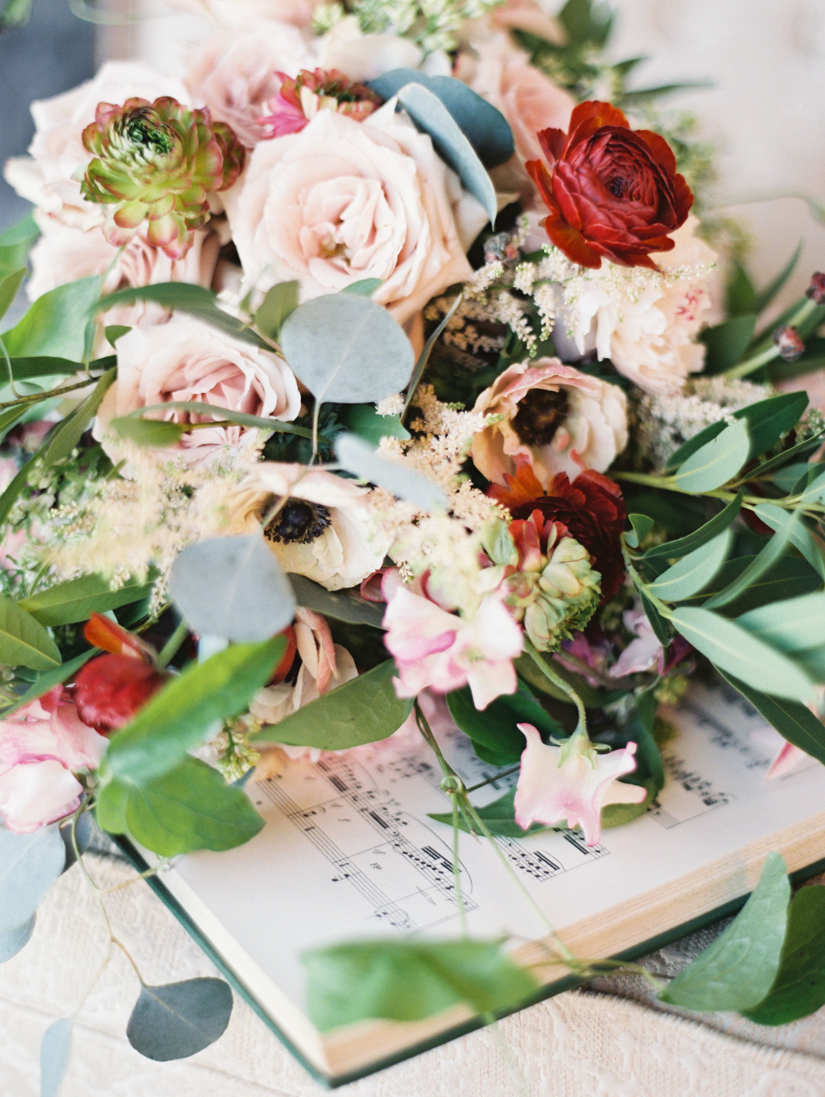 Wild florals from habitatevents.com | Read More: http://www.stylemepretty.com/2014/06/16/symphony-wedding-inspiration/ | Photography: Orange Photographie - orangephotographie.com