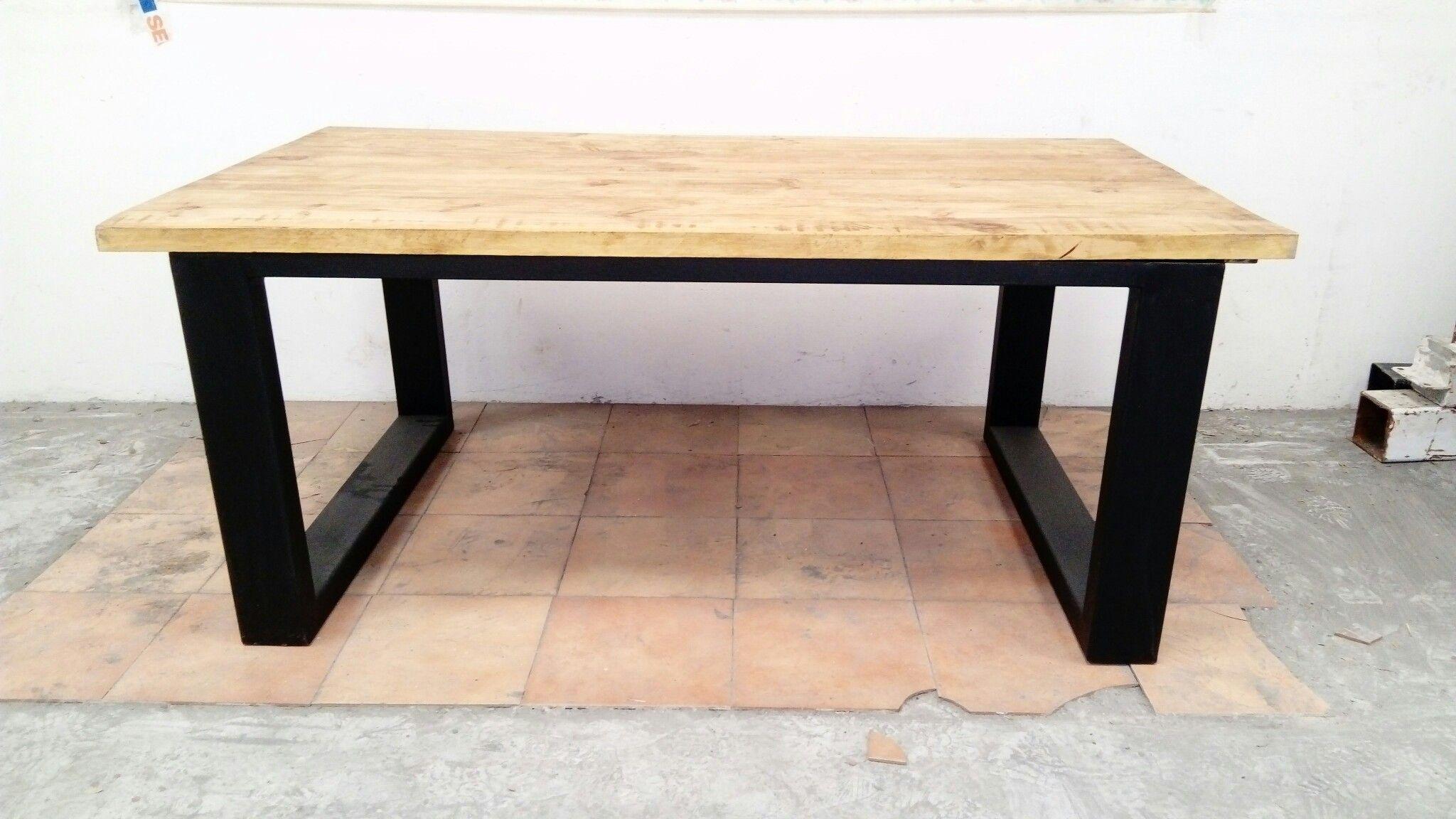 Mesa de 2x1 metros de comedor, pino de 4cm y patas de hierro de 12x6 ...