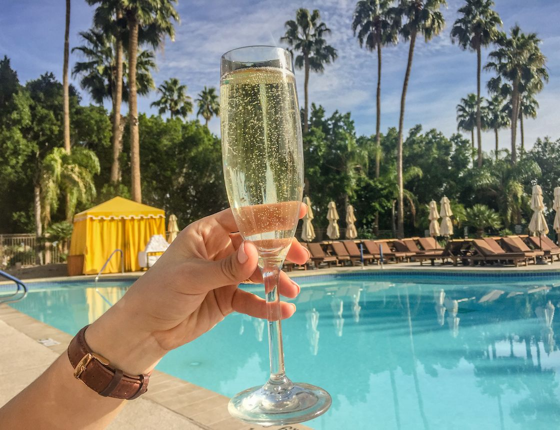 5 reasons you need to stay at the phoenician resort in
