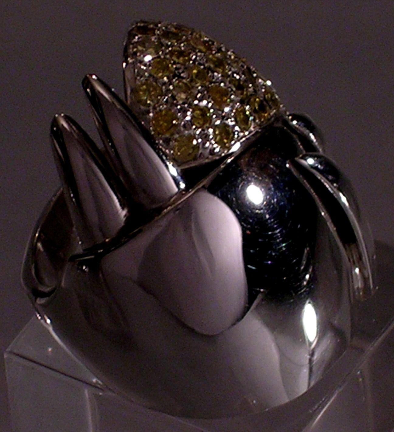 Anillo: Cometa  Colección: Sidney  Materiales: Plata 925, Diamantes Fancy.