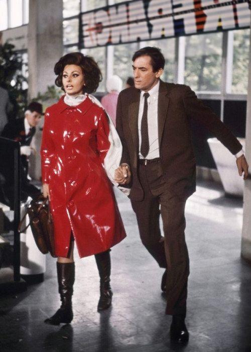 Alle Größen | Sophia Loren in vinyl rain coat | Flickr - Fotosharing!