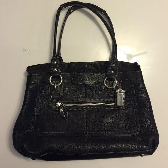 ad3503e3886 Black coach handbag   Coach handbags, Shoulder bags and Coach bags