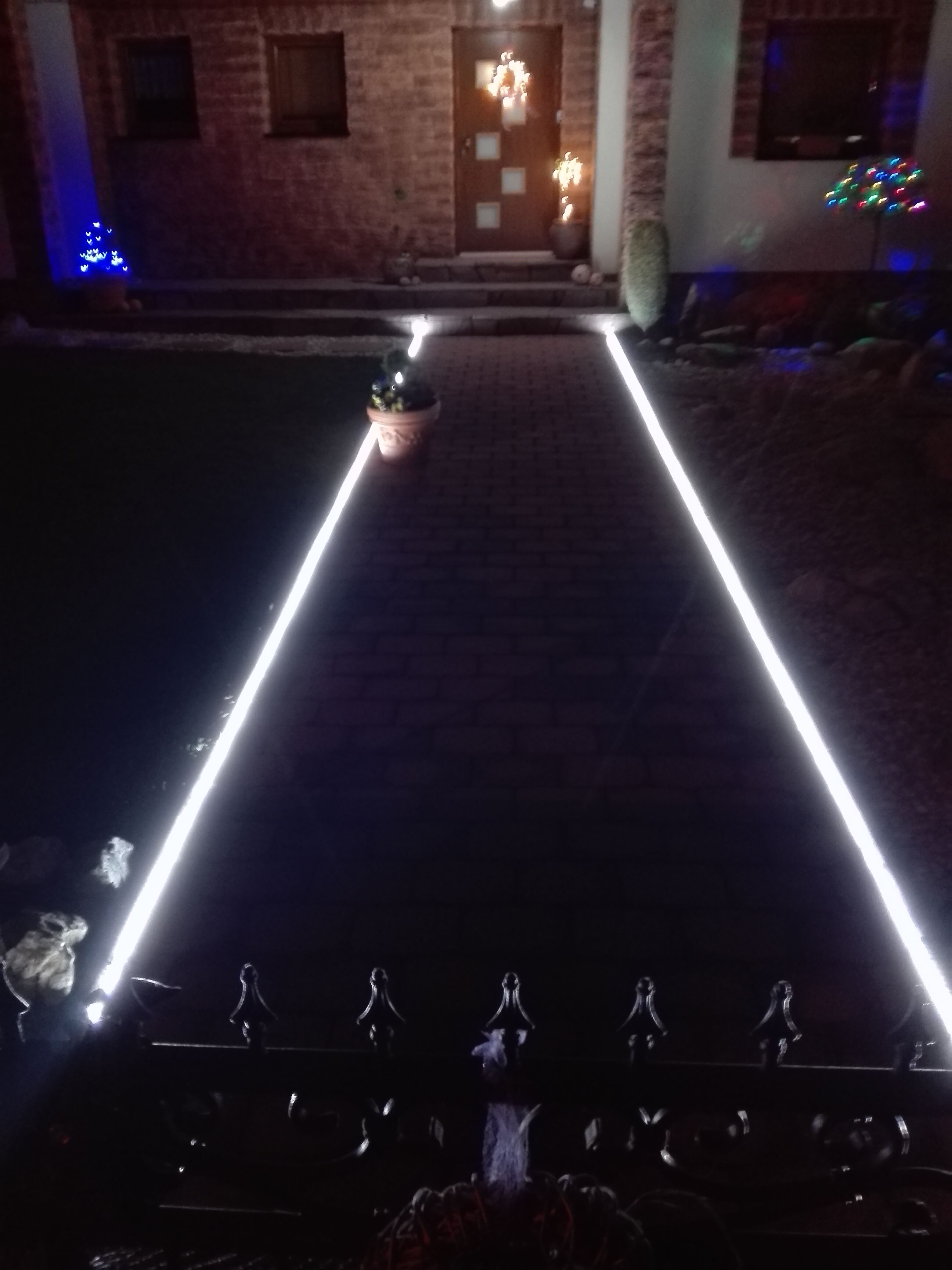 Pin By Properties By Gomes On Landscaping Ideas Led Strip Lighting Strip Lighting Modern Backyard Landscaping