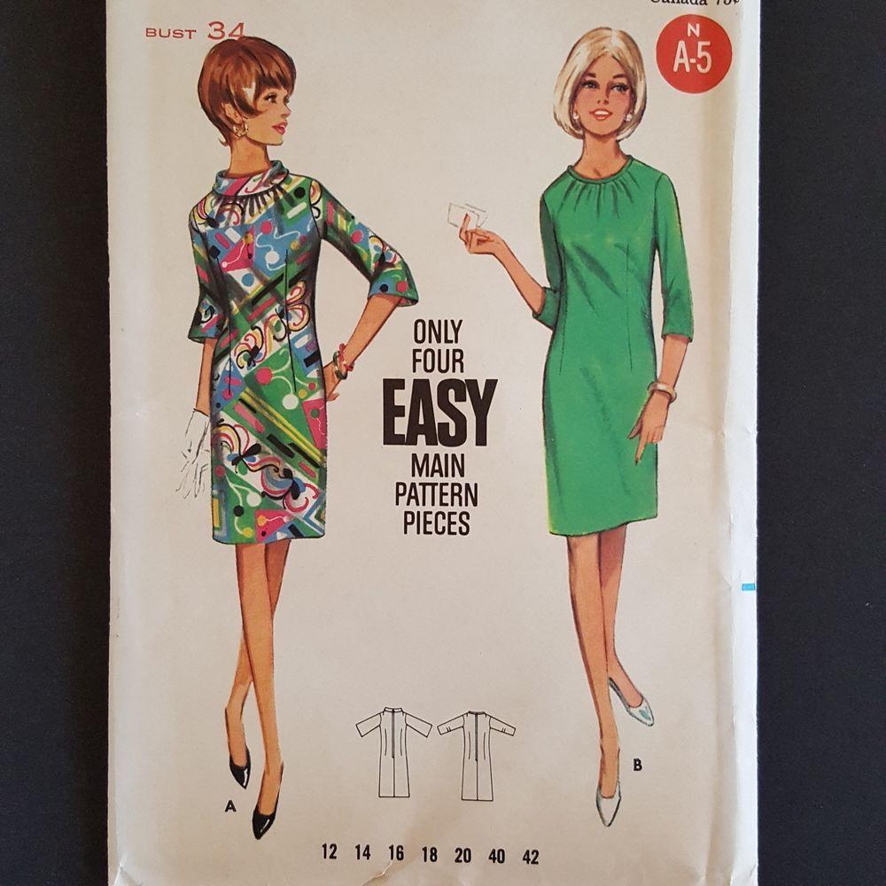 Joan Curtis Vintage 60s 70s Black White Midi Dress Long sleeve Chevron Zig Zag Test Pattern Groovy Go Go Girl Outfit with Belt