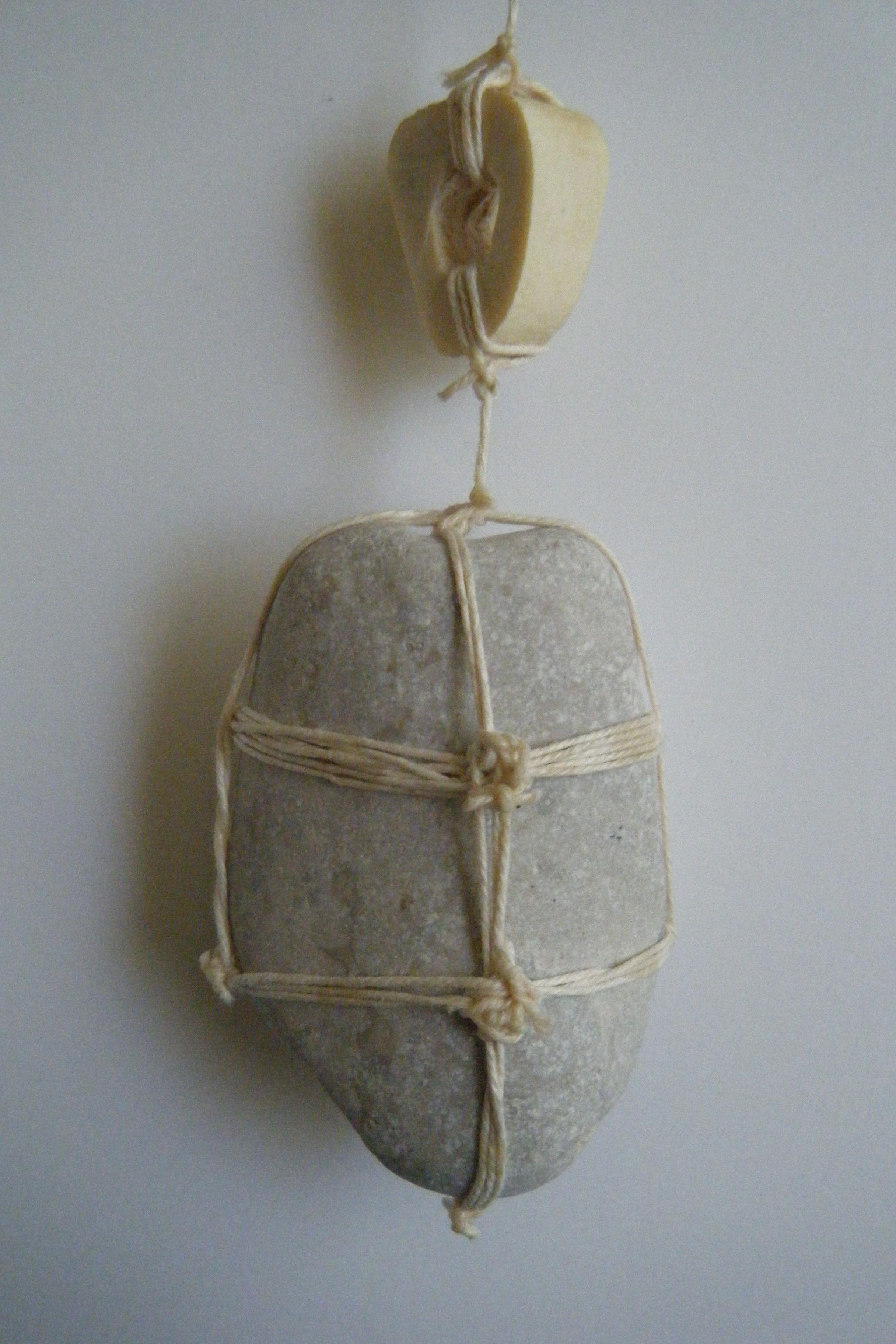 Piedra Amarrada A Un Hueso My Toys Pinterest Huesos Y Piedra # Muebles Toro Noia