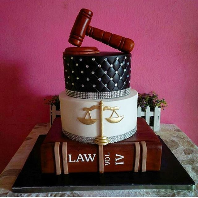 BEAUTIFUL Cake Design for a #Lawyer by @mouthfeels_cake ...