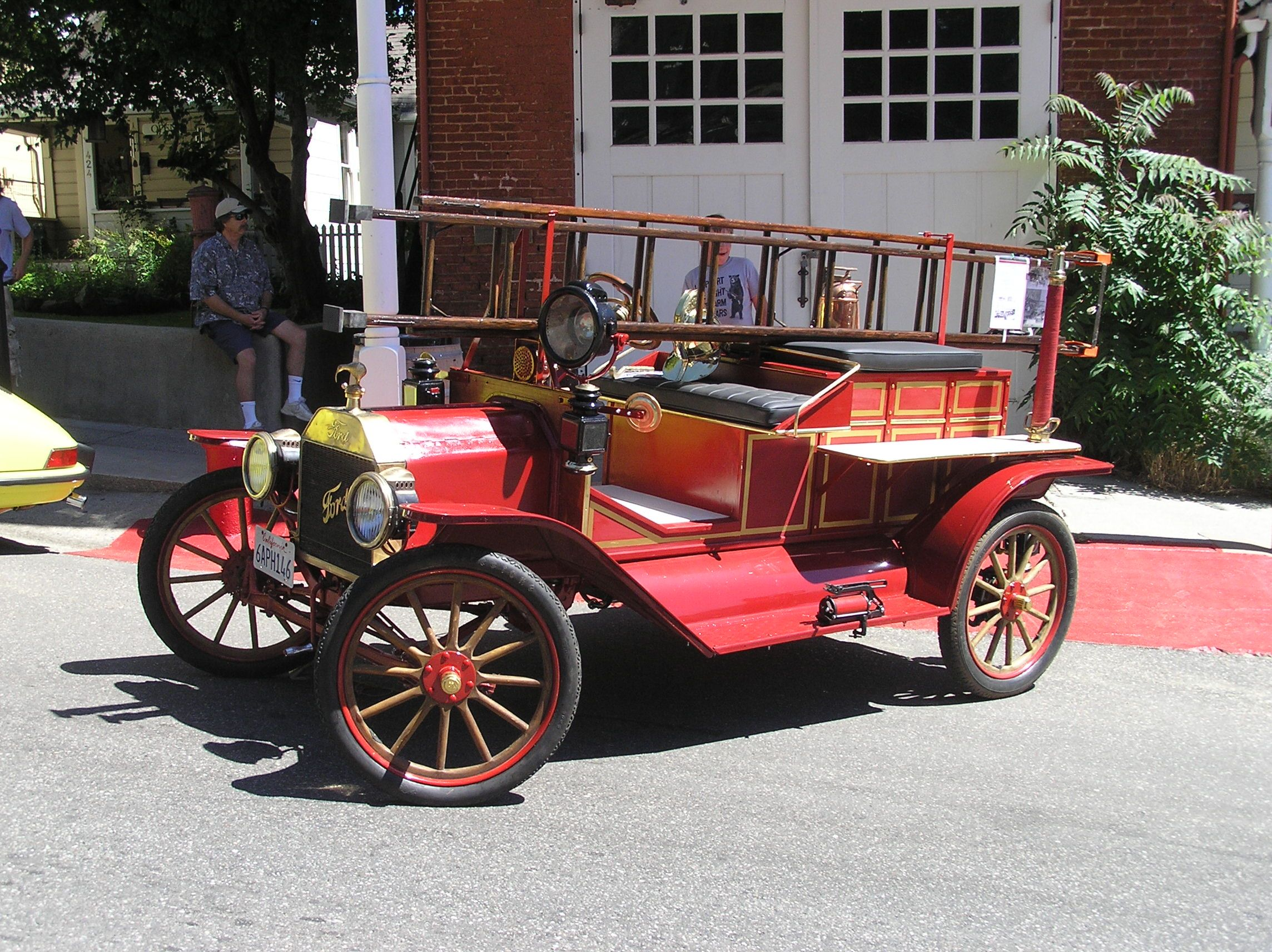Circa 1915 Ford Fire Truck By Way Of New Zealand Fire Trucks Fire Engine Fire Equipment