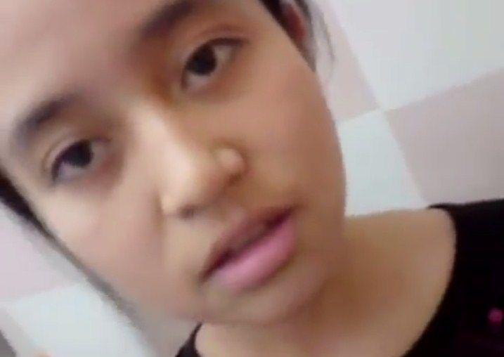 Indonesian istri jilbab sepong 4