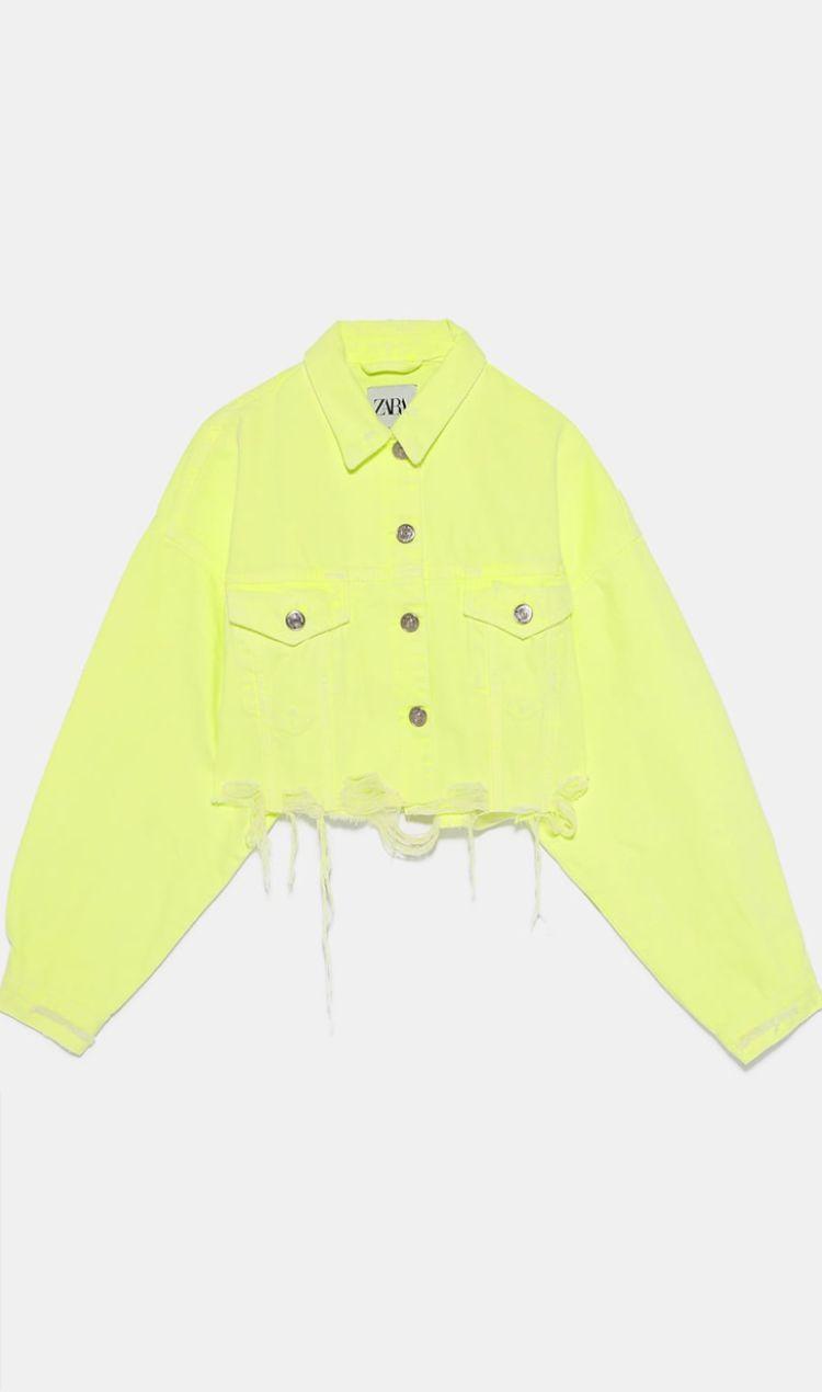 Pin By Flor Zilman On Oufits Cropped Denim Jacket Denim Jacket Women Girls Fashion Clothes [ 1270 x 750 Pixel ]