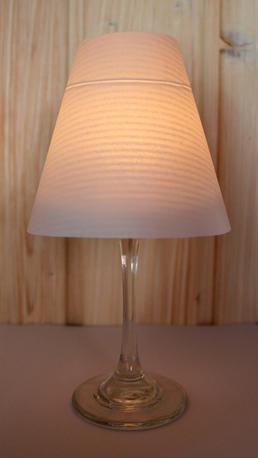 bekikilicious diy lampenschirm f r weinglas selber machen deko lampenschirm basteln. Black Bedroom Furniture Sets. Home Design Ideas