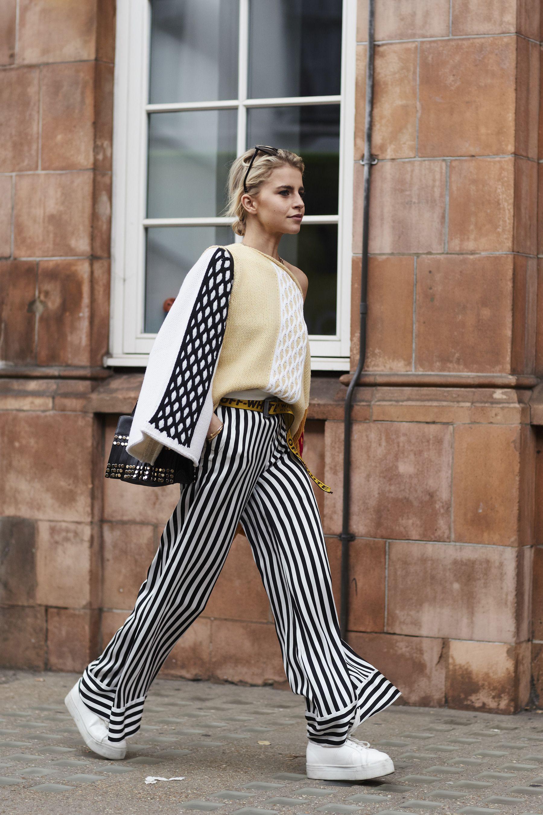 London Fashion Week Street Style Spring 2018   Prints   Street style ... 3829ec5577a