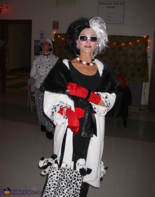 cruella deville costume halloween costume ideashalloween - Cruella Deville Halloween Costume Ideas
