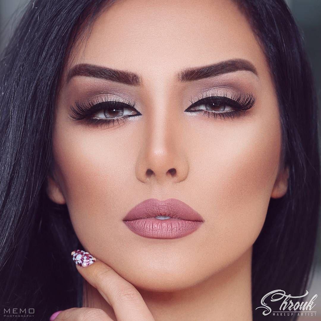 Shrouk Makeup Artist No Instagram رحماك يا أحلى الحسان ترفقي بالعاشقين فكلنا أسراك المبدع Beautiful Wedding Makeup Romantic Eye Makeup Pinterest Makeup
