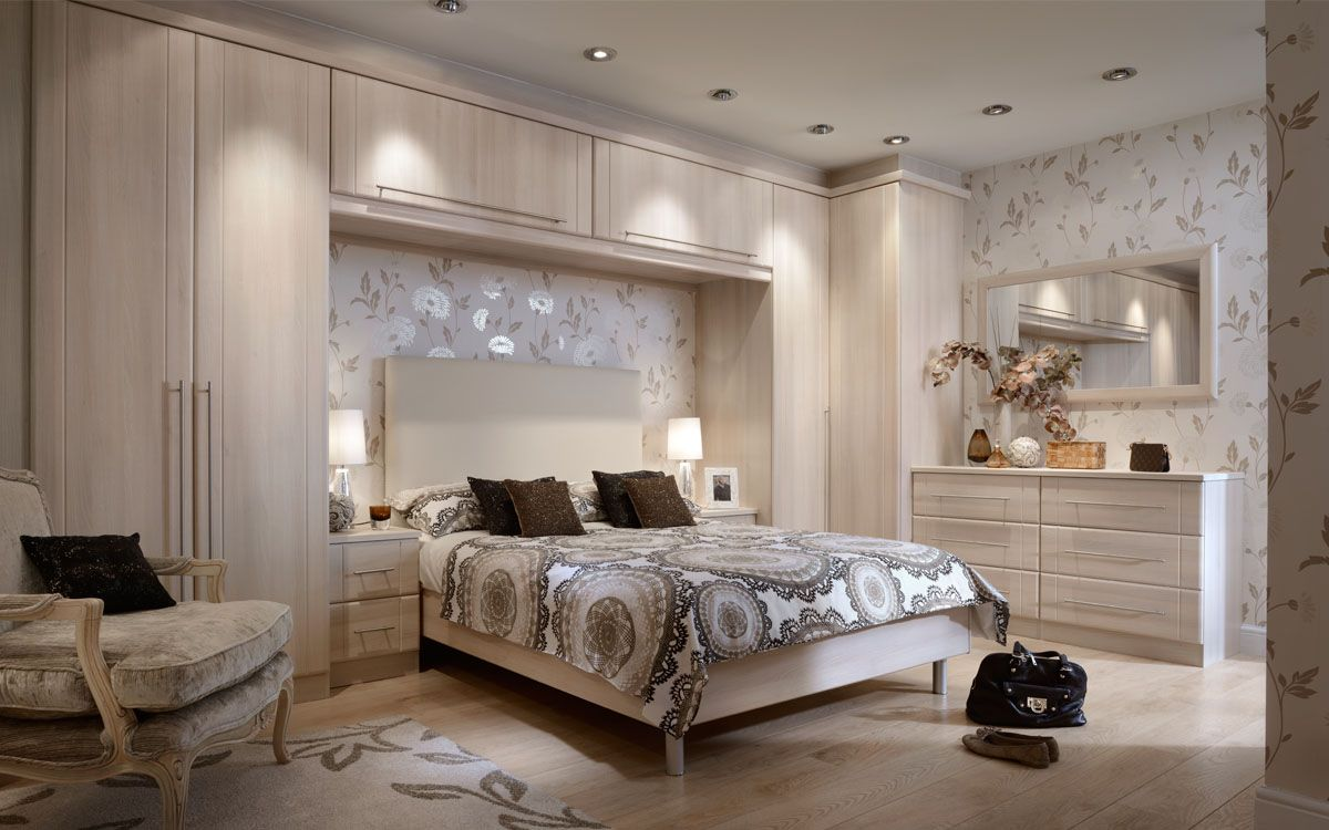 Fitted bedrooms fitted wardrobes spacemaker furniture for Fitted bedroom ideas for small rooms