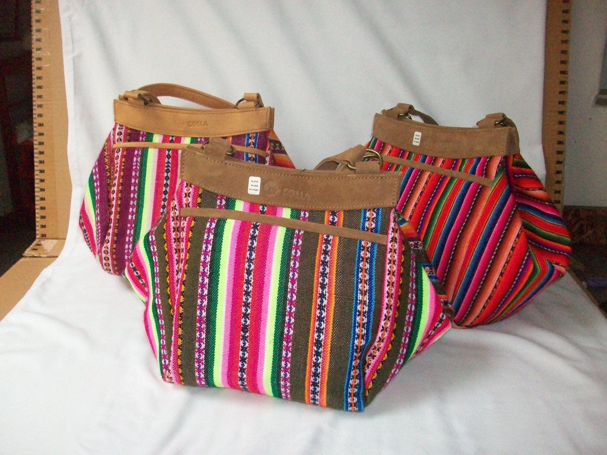 Carteras y bolsos de manta peruana y cuero natural.  c66c509a887