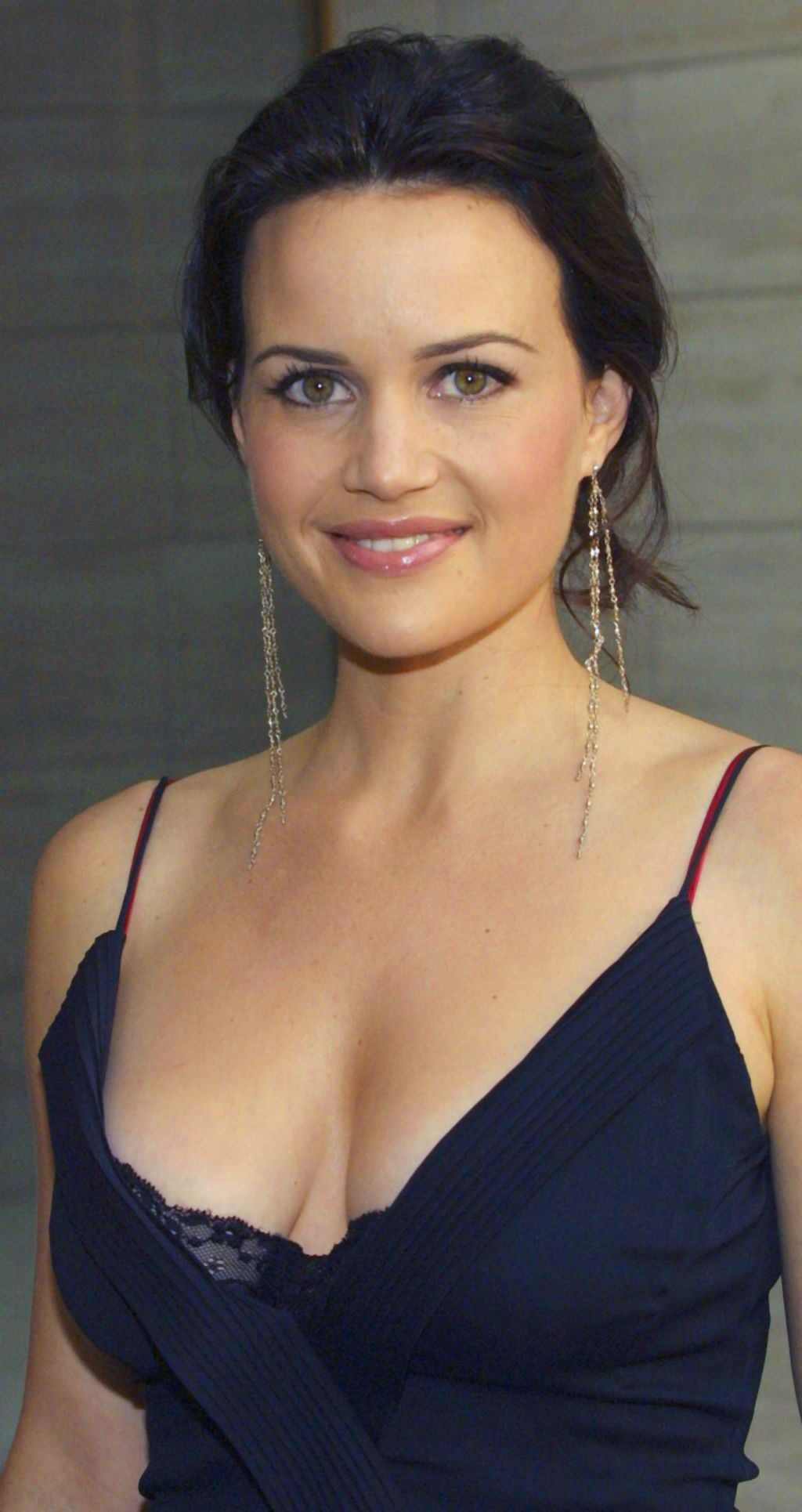 Watch Carla Gugino video