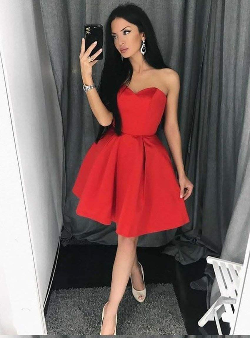 Simple Strapless Sweetheart Red Short Homecoming Dress With Pleats In 2020 Red Homecoming Dresses Cheap Homecoming Dresses Elegant Bridesmaid Dresses [ 1151 x 850 Pixel ]