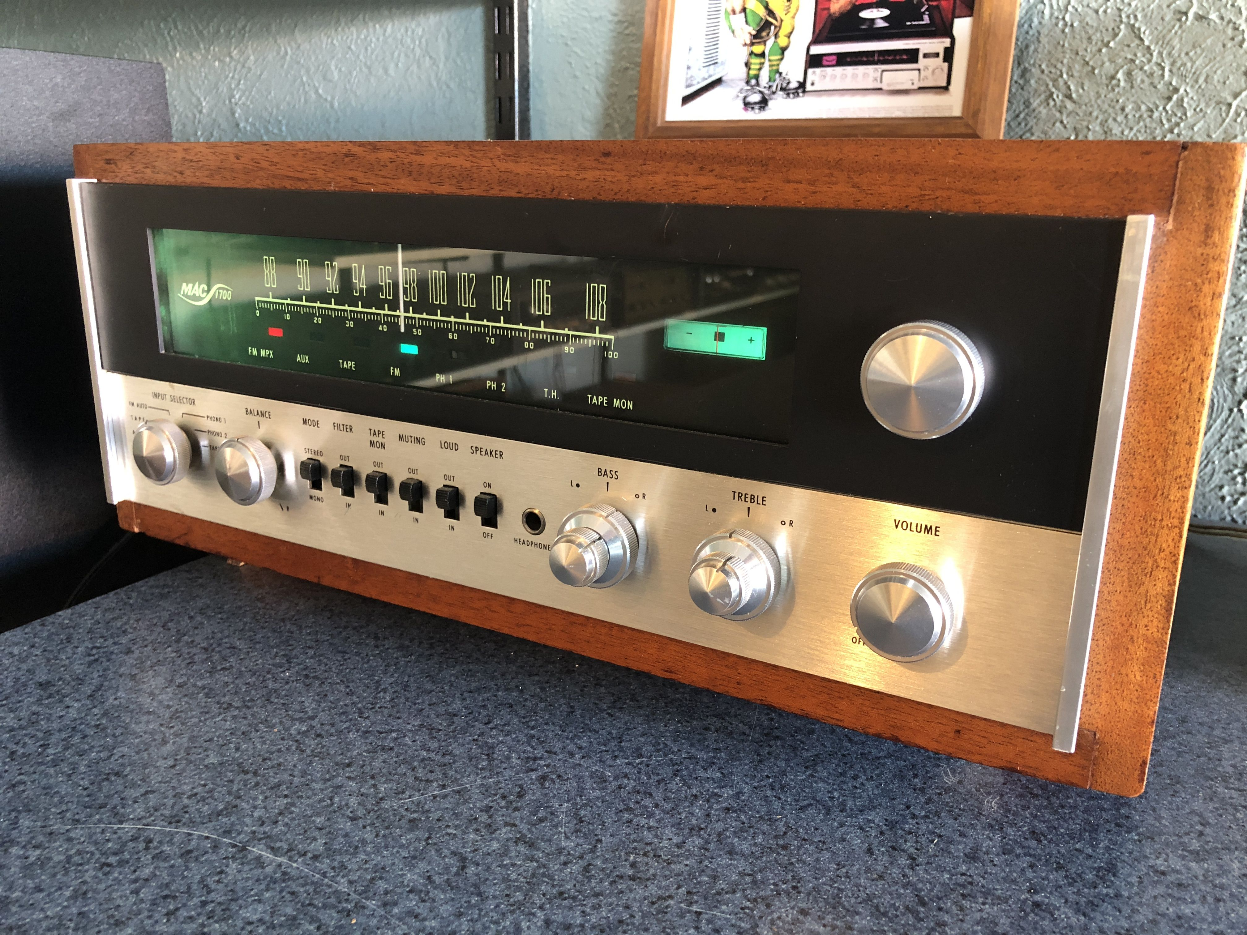 A vacuum tube/solid state hybrid stereo receiver  | Vintage