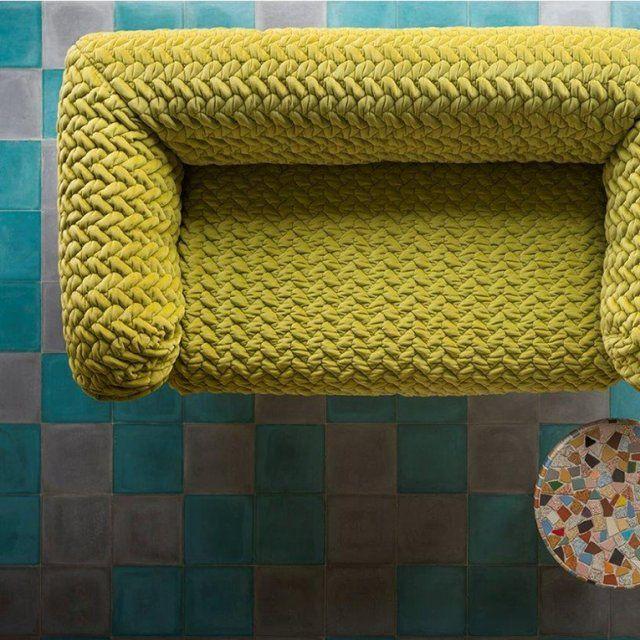 tissu d 39 ameublement toutes les nouveaut s canap en velours canap et citrons verts. Black Bedroom Furniture Sets. Home Design Ideas