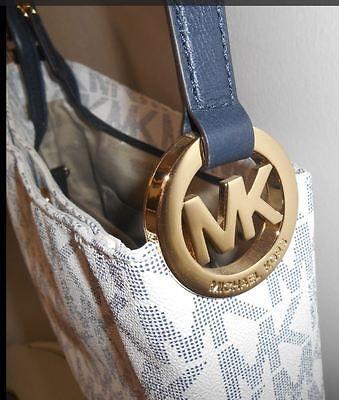 Michael Kors Crossbody Handbag https://t.co/K2vrsyGHrl https://t.co/HixLdi7kbK http://twitter.com/Soivzo_Riodge/status/772859403863203840