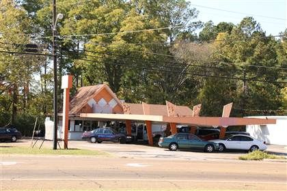 Fountain Grill, Aberdeen, MS  Awesome burgers  | Miss'sippy
