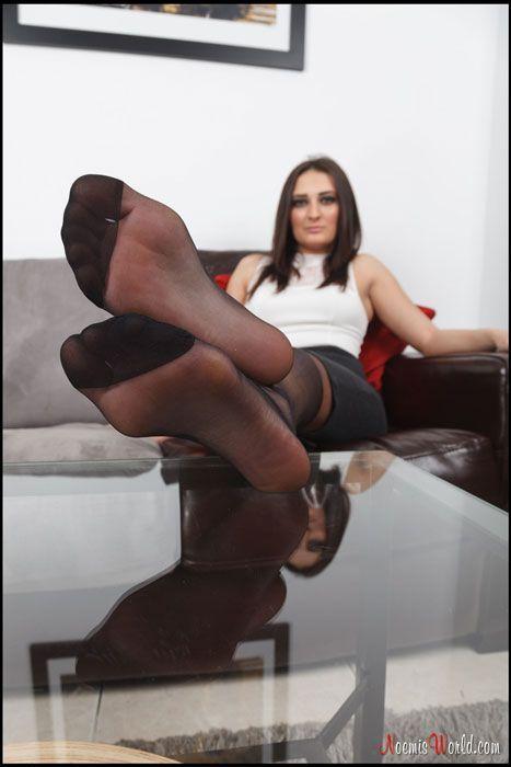 Sexy girl fuck herself