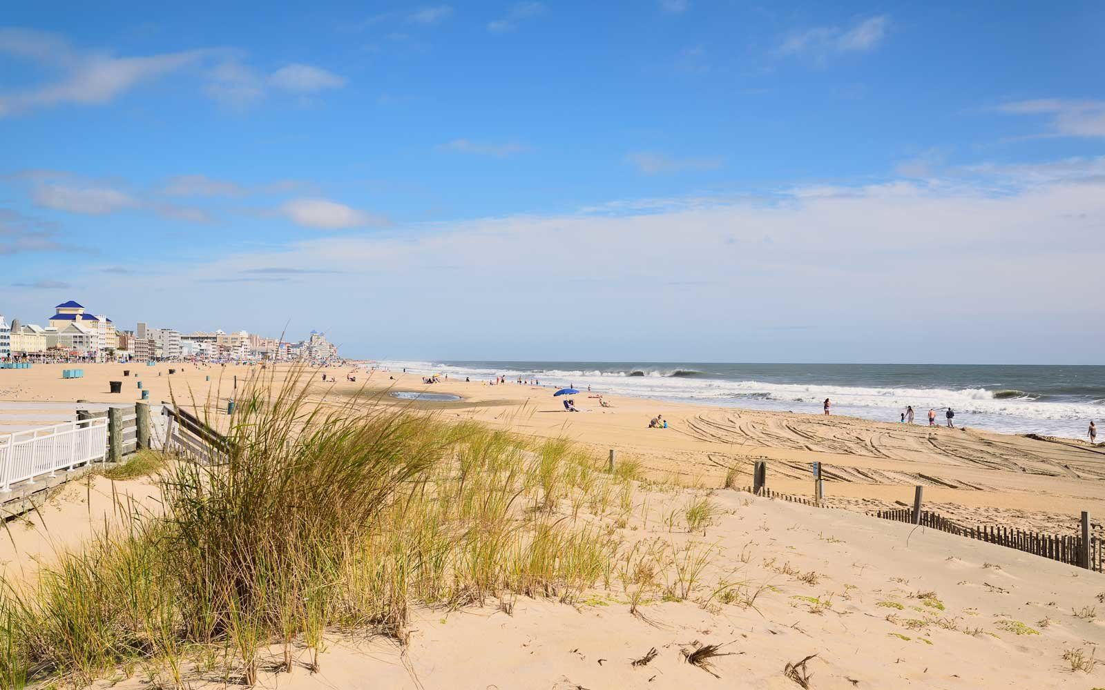 These Are The Hottest Memorial Day Weekend Destinations In The U S Ocean City Holiday Travel Summer Is Here