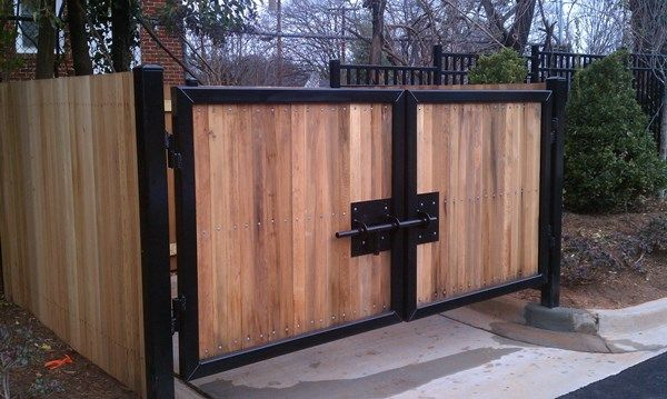 Looking For Fence Enclosures Services In Dallas Denton Or Fort Worth J J Fencing Pros Provides Residential Commercial Fences Inst Dumpster Enclosures Fence