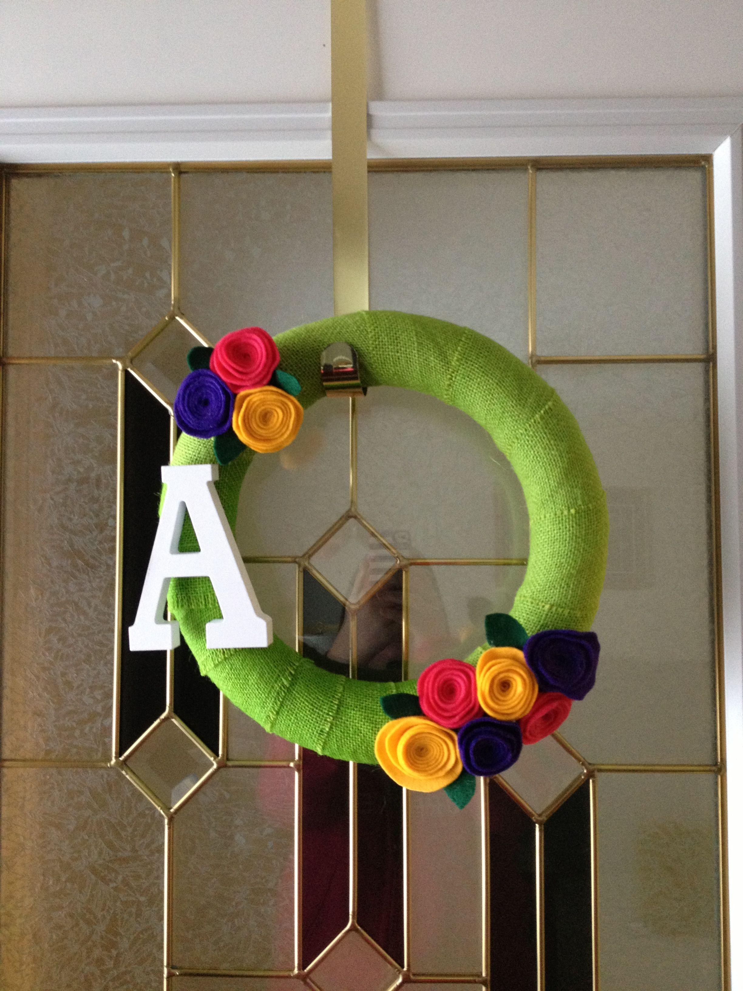Felt flower wreath Felt flower wreaths, Crafts, Flower