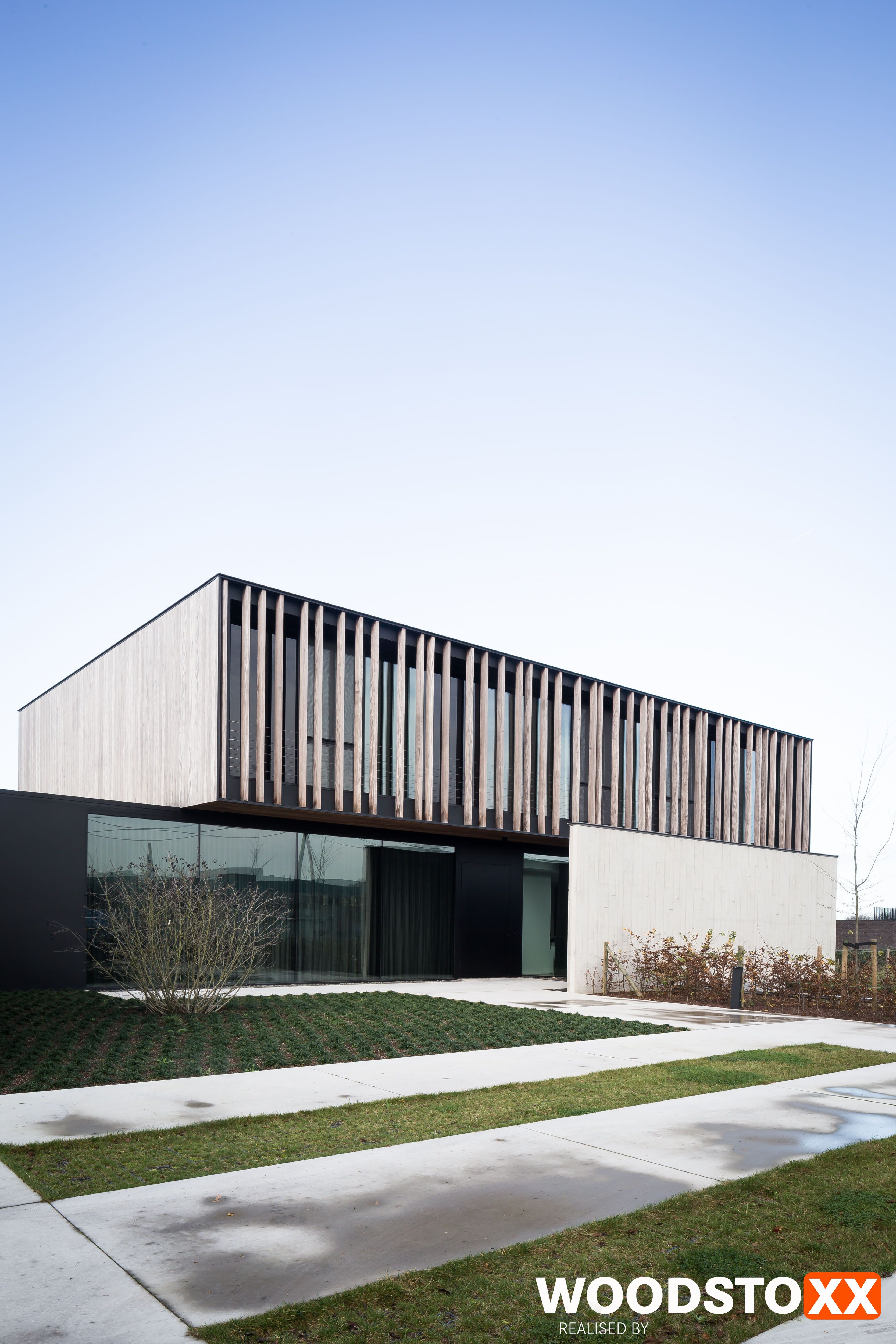Gevelbekleding afrormosia domino fachada pinterest for Arquitectura moderna