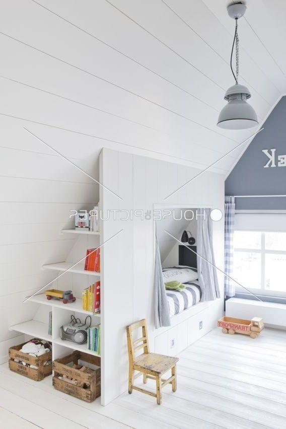 40 Cozy Attic Loft Bedroom Design & Decor Ideas