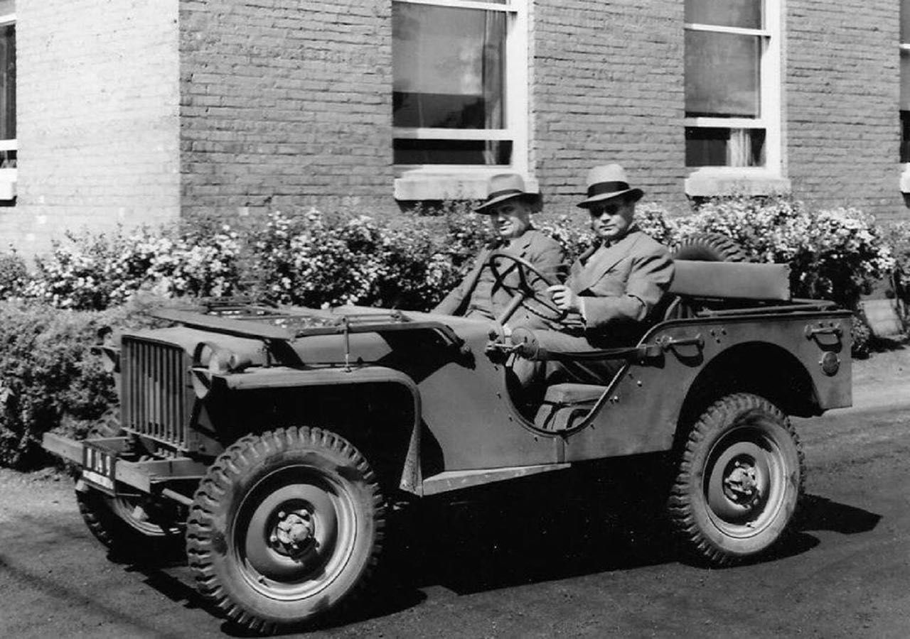Photo Florida Tyndall Field WW2 Women in Jeep