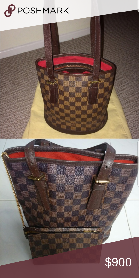 1f7b10facf74 Authentic Louis Vuitton Marais Bag Damier Ebene bucket bag and comes with  chained accessory pouch. Just like new