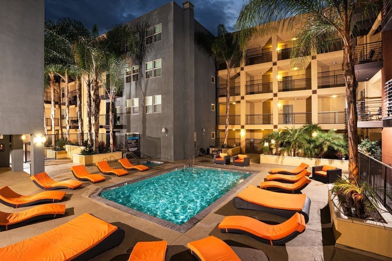 Avana North Hollywood At 11201 Otsego St Has 8 Available Apartments In Mid Town North Hollywood Los Hollywood Apartment Lovely Apartments Apartments For Rent