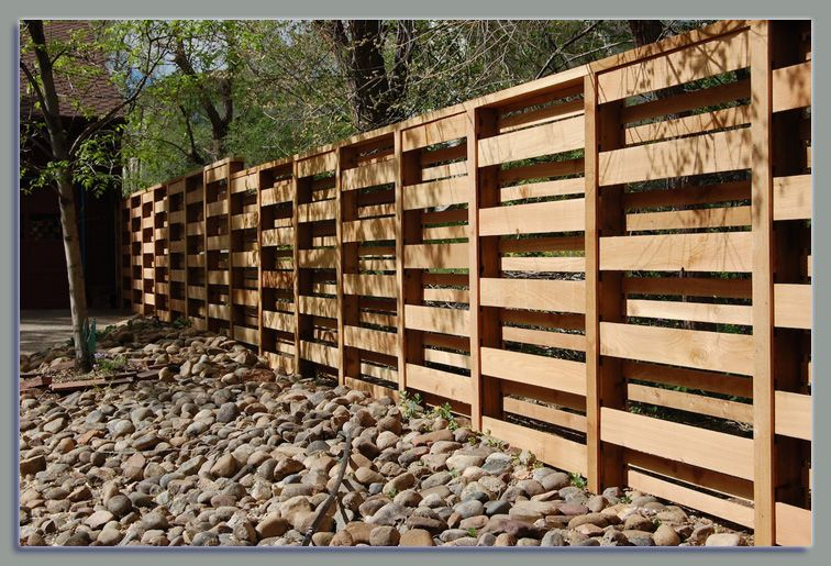 Pallet Wall Outdoor Privacy Screens