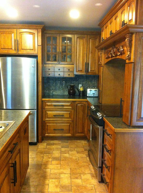 Wormy Maple Kitchen with Laminate Counter | Maple kitchen