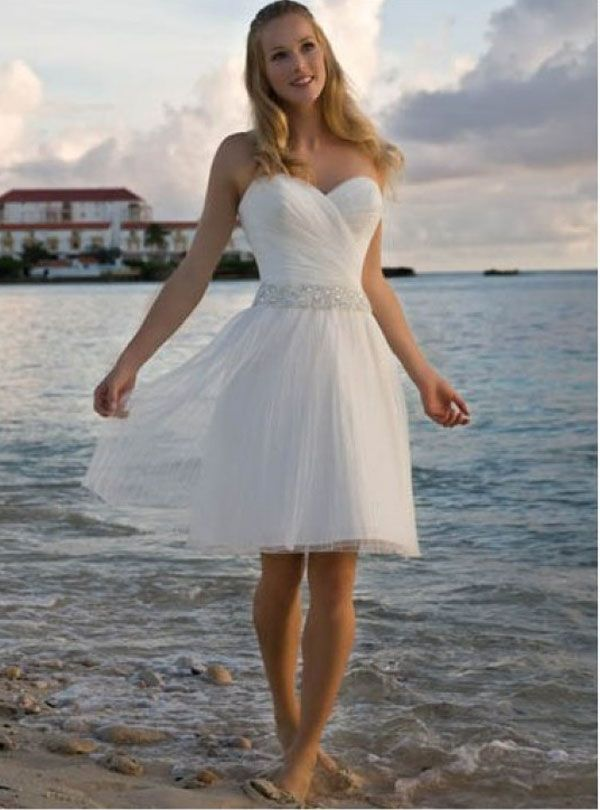 Casual outdoor wedding dresses dresses pinterest casual short summer wedding dress in white short white gown for beach wedding or summer wedding sexy cute and stunning dress to select from junglespirit Images