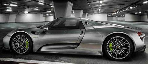 2015 Porsche 918 Spyder 46 Liter V8 Hybrid with 887 Horsepower