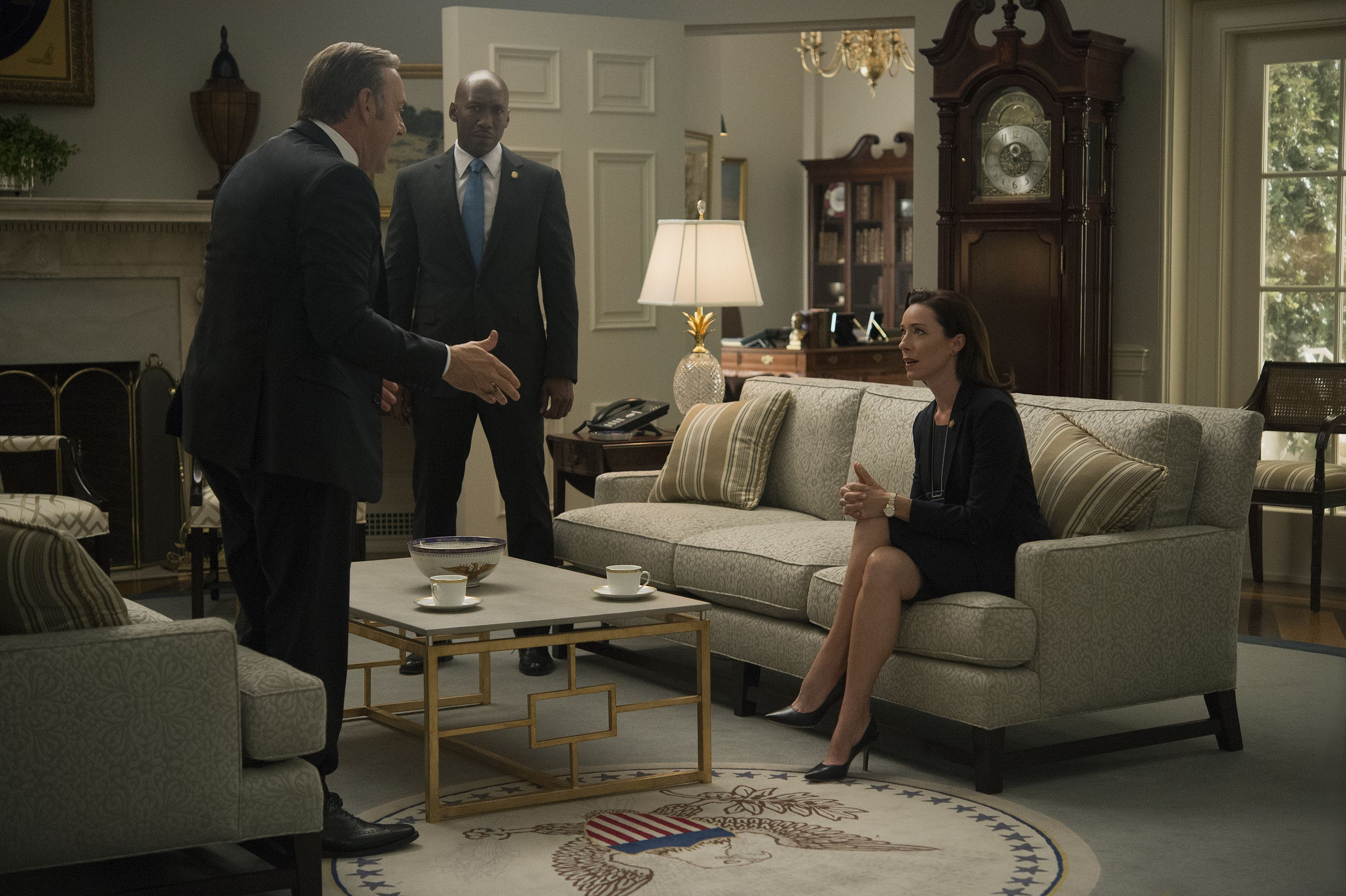 I Love The Sofas Used For The Set Of The Oval Office From Season 3