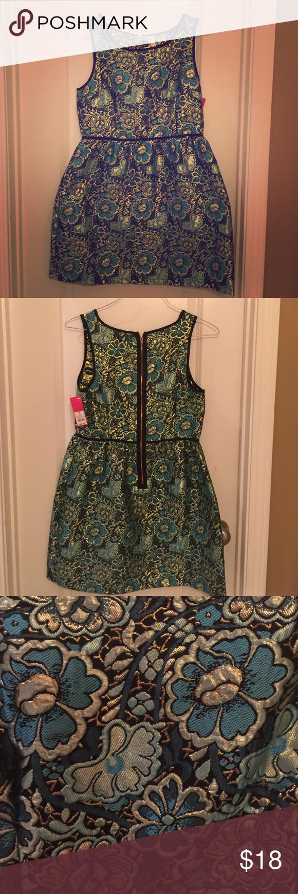 Green Blue Metallic Floral Print Dress New With Tags From Target Green Blue Gold Metallic Floral Print Dress With Full S New Dress Dresses Floral Print Dress [ 1740 x 580 Pixel ]