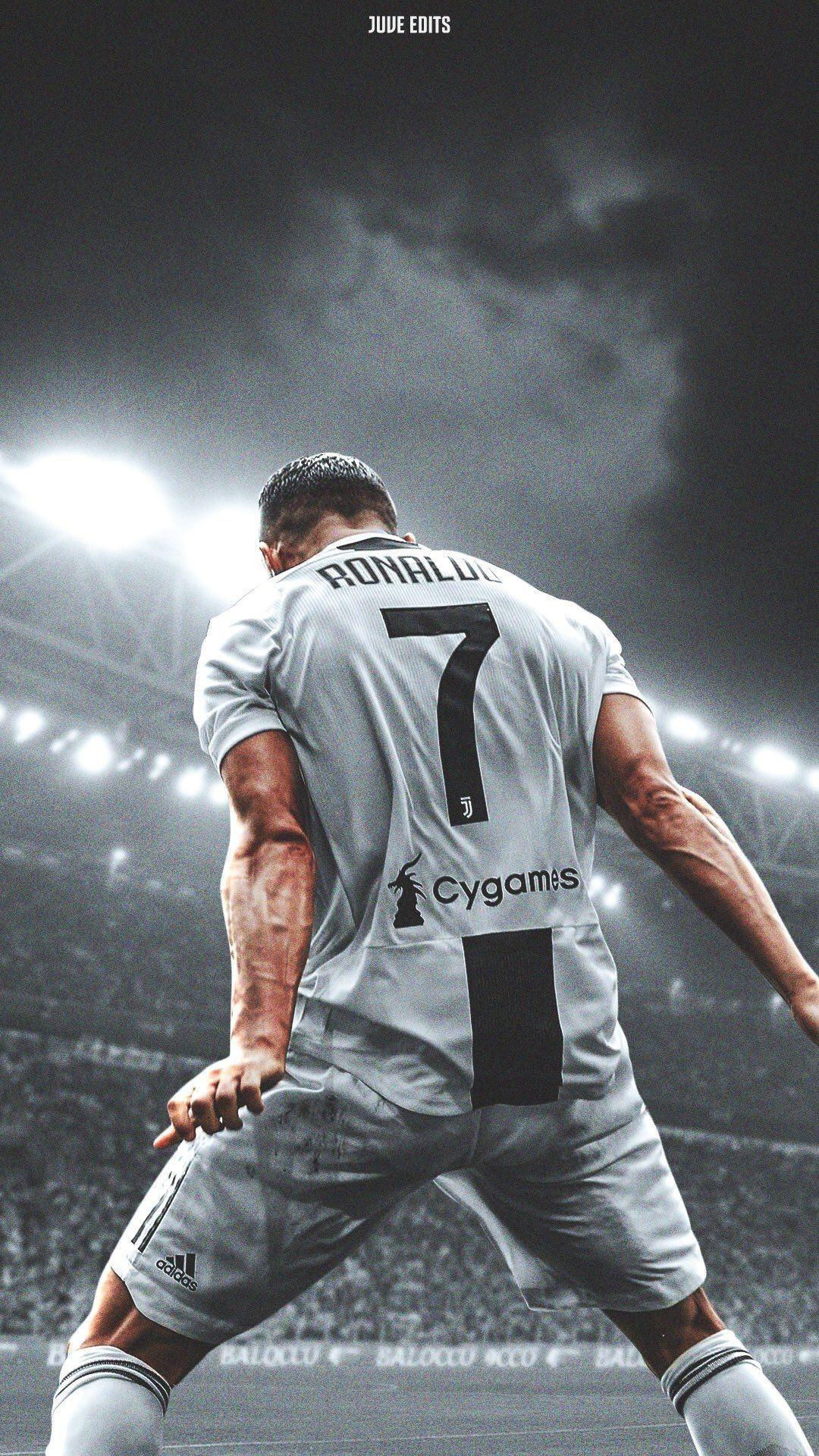 Christiano Ronaldo Est Le Meilleur Joueur De Tous Les Temps Puisqu Il Est Le Seul Capable De Ma Joueur De Football Cristiano Ronaldo Photo De Cristiano Ronaldo