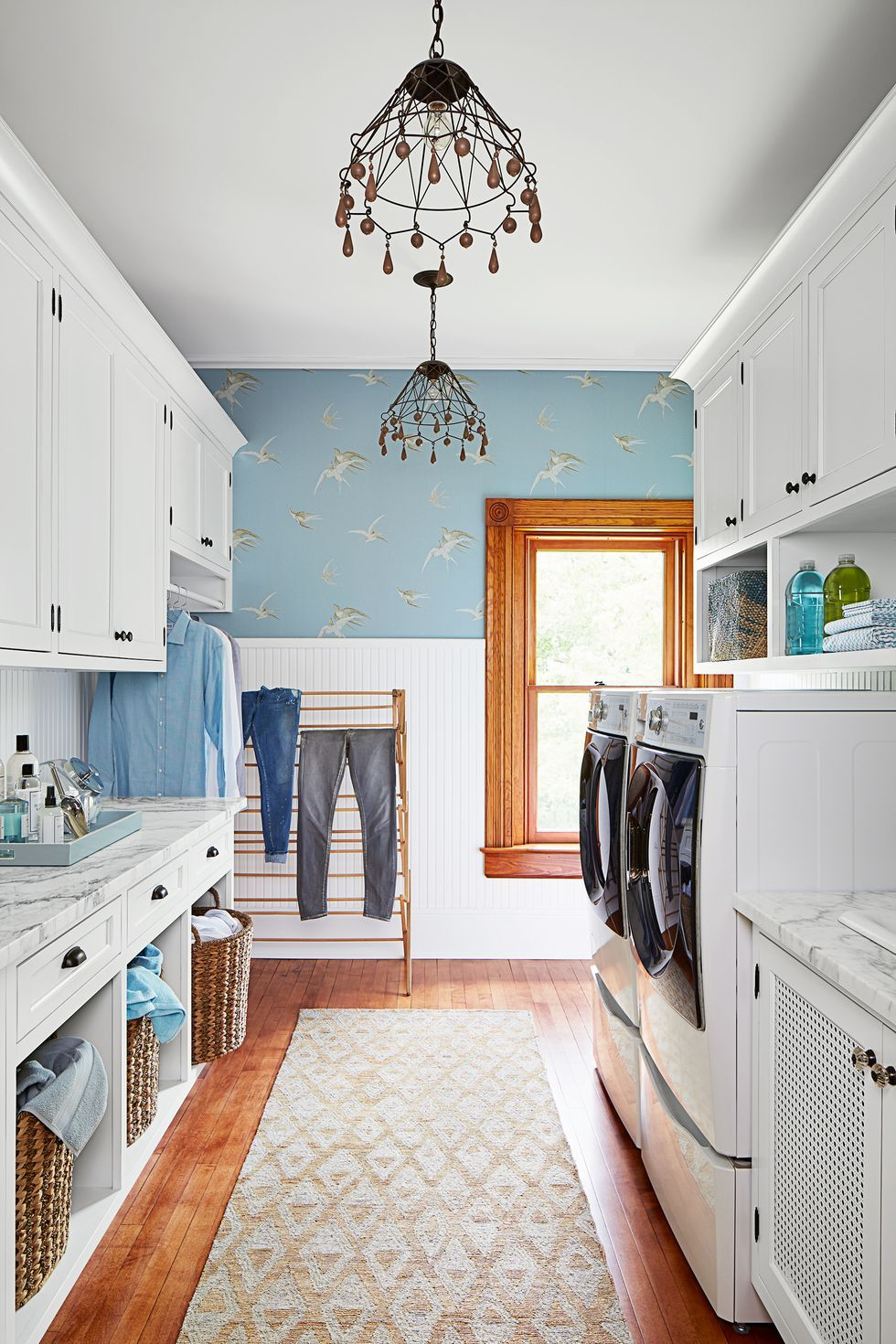 12 Ultra Chic Mudroom Ideas In 2020 Laundry Room Paint Color
