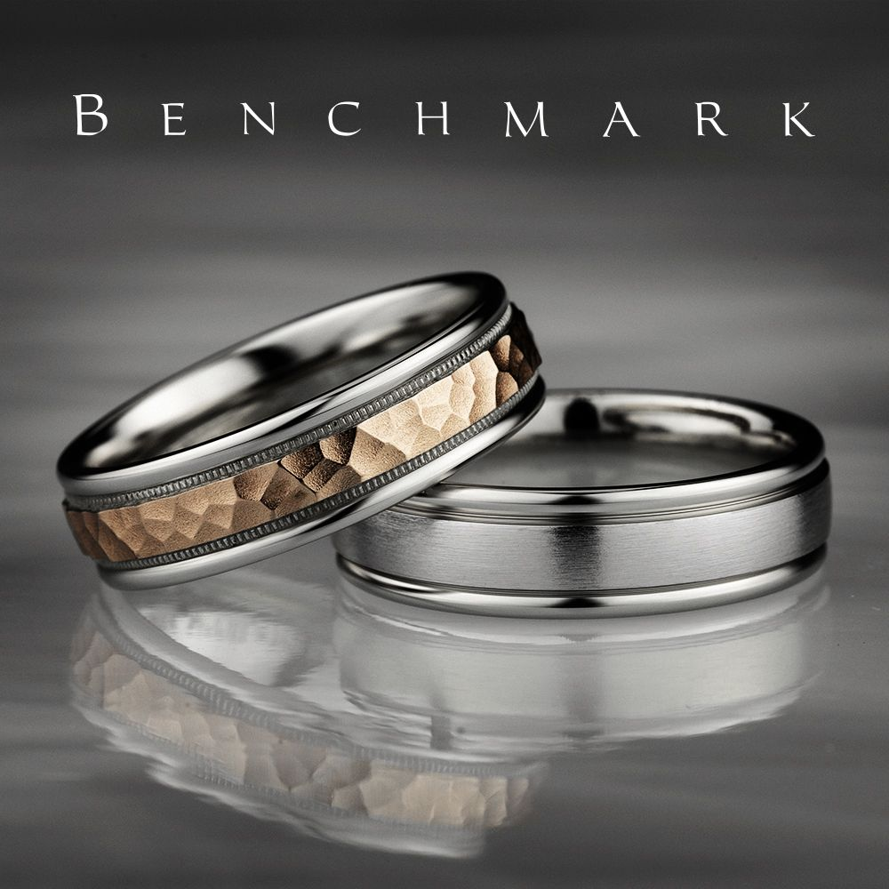 6mm Men S White Gold Wedding Ring With A Rose Gold Hammered Center Cf216308 6mm Men S White Gold Benchmark Rings Mens Wedding Rings White Gold Fiance Ring