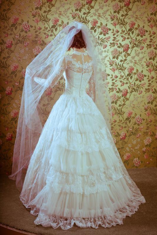 Long #50\'s wedding gown #retro wedding ... Wedding ideas for brides ...