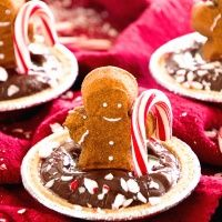 Gingerbread PEEPS® Mint Pudding Pies Recipe ~ Delicious, Creamy Chocolate Pudding Pies Loaded with Candy Canes, Graham Cracker Crust and PEEPS® Gingerbread-Flavored Marshmallow Gingerbread Men! #flavoredmarshmallows