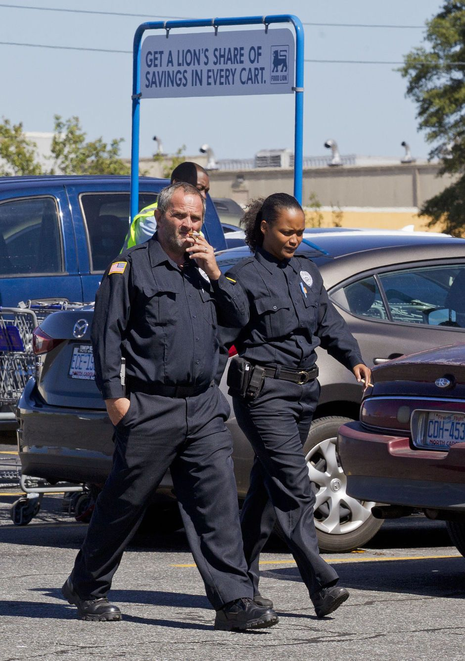 Greensboro nc food lion grocery store security guard